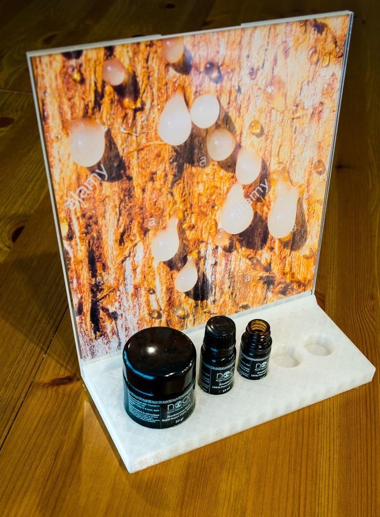 094f002962e06035e885efecb71c9e61_display_large.jpg Download free STL file Bosswelia Sacra Essential oils exhibition stand • 3D print object, glassy