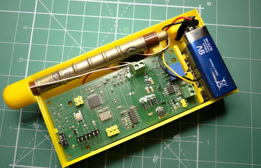 1e2ccdb9bed9d9c8bd869677b3e82bb5_display_large.jpg Download free STL file Enclosure for new SMD-based geiger counter by impexeris for SBM20 and STS-5 tubes • 3D printable object, glassy