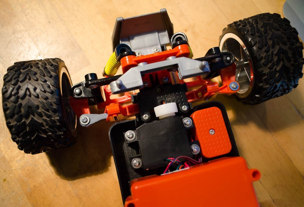 """DSC_0006_display_large.jpg Download free STL file This is a duplicate of the steering mechanism part for the Maisto """"Baja Beast"""" RC toy car • Model to 3D print, glassy"""