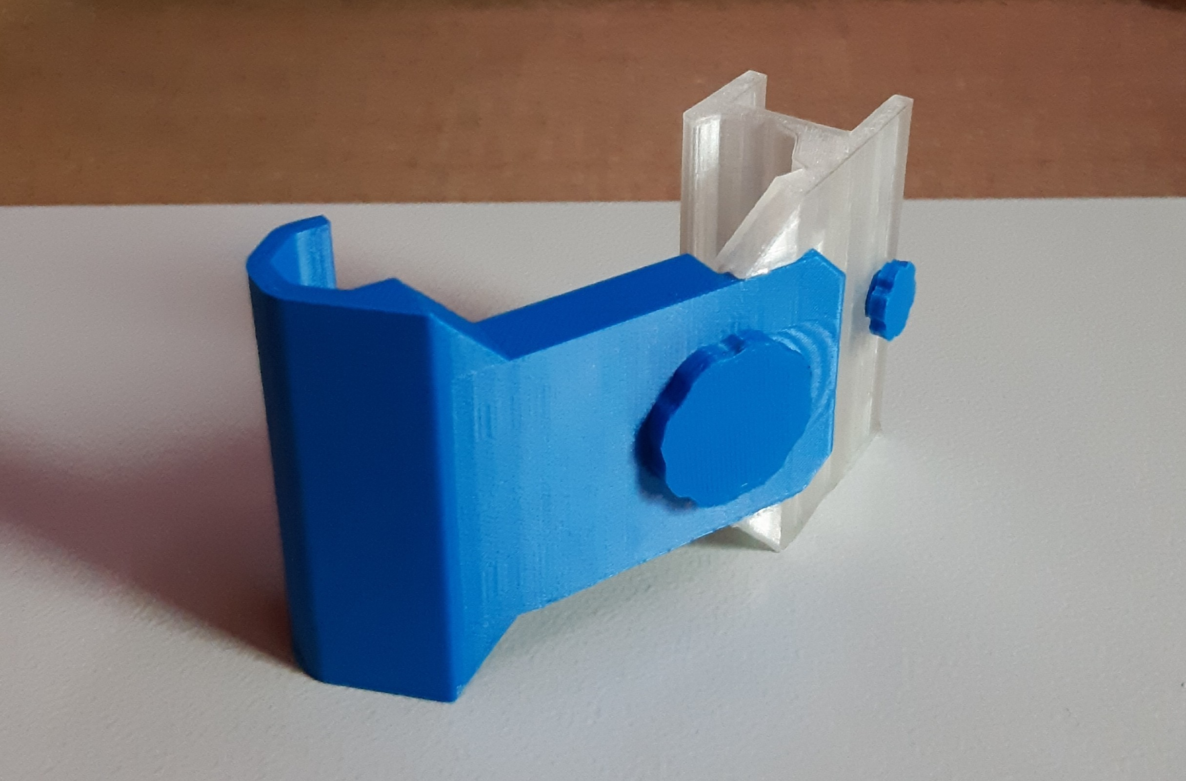 PhoneNextTo_iguigui_01.jpg Download free STL file Phone Next To • 3D print model, iguigui