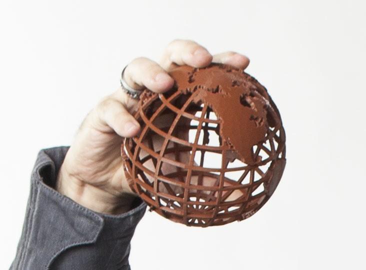 Bre_Replicator2_20120817-542-Edit_display_large.jpg Download free STL file Gridded Globe • 3D printing template, wally3Dprinter