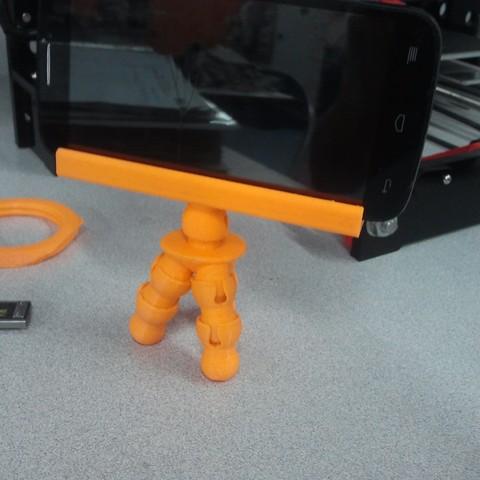 IMG_20180703_140450.jpg Download free STL file Tripod Flex Cellphone • 3D printer template, _aalejandrovr24