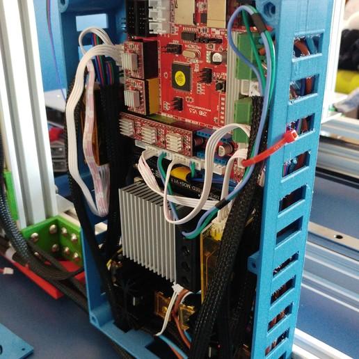 20190822_1346211.jpg Télécharger fichier STL gratuit Caja XXL para placa Zonestar ZRIB para montar 3 Mosfet • Modèle à imprimer en 3D, celtarra12