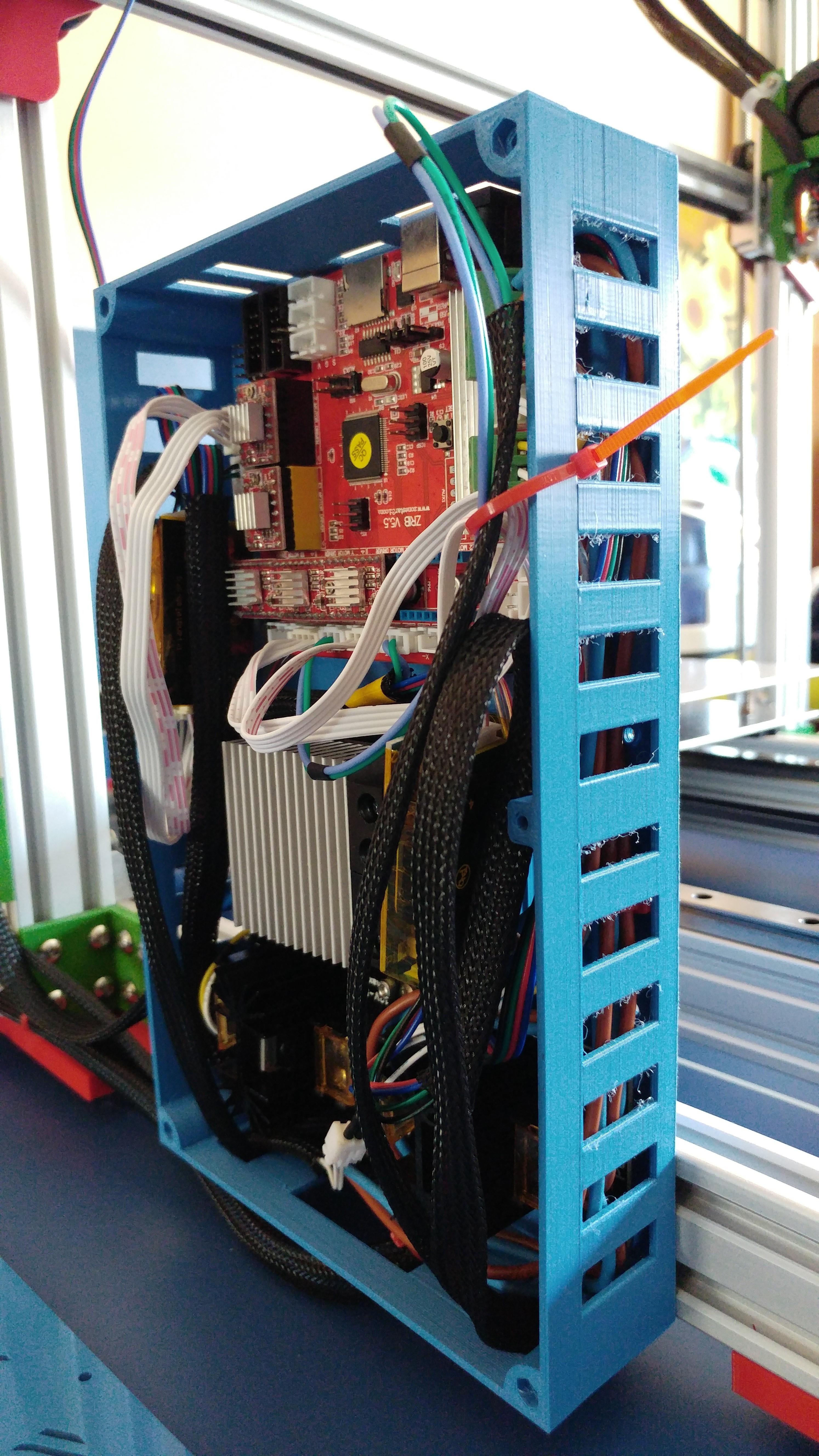 20190822_133917.jpg Télécharger fichier STL gratuit Caja XXL para placa Zonestar ZRIB para montar 3 Mosfet • Modèle à imprimer en 3D, celtarra12