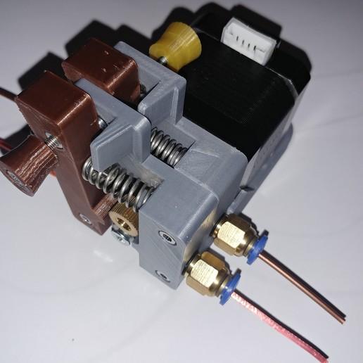 20190226_230830.jpg Télécharger fichier STL gratuit Doble Extrusor para montaje en Bowden con un sólo motor • Objet imprimable en 3D, celtarra12