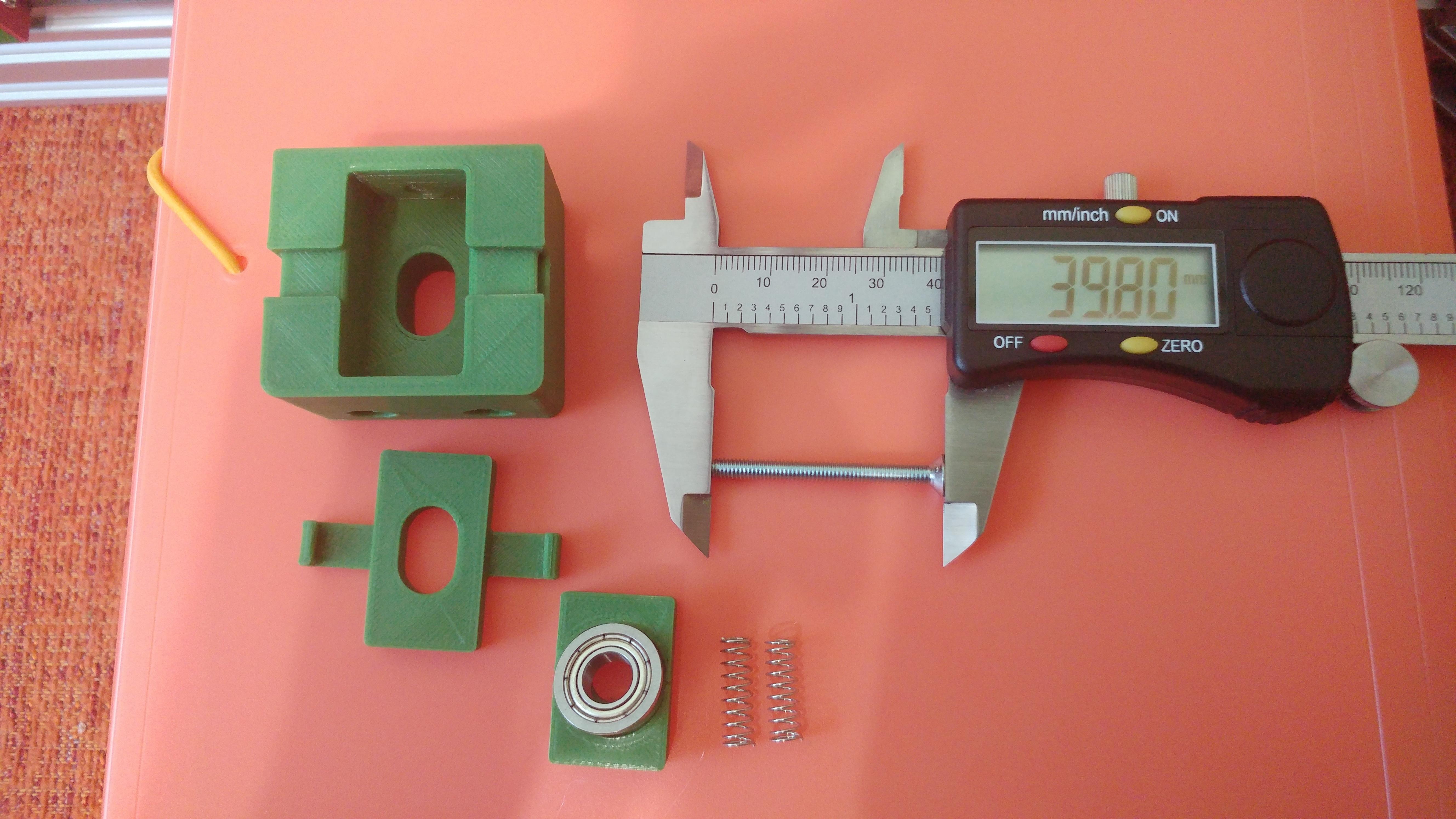 20190628_105017.jpg Télécharger fichier STL gratuit Parte Superior Husillo eje Z con muelle para perfil de aluminio 2040 • Plan imprimable en 3D, celtarra12