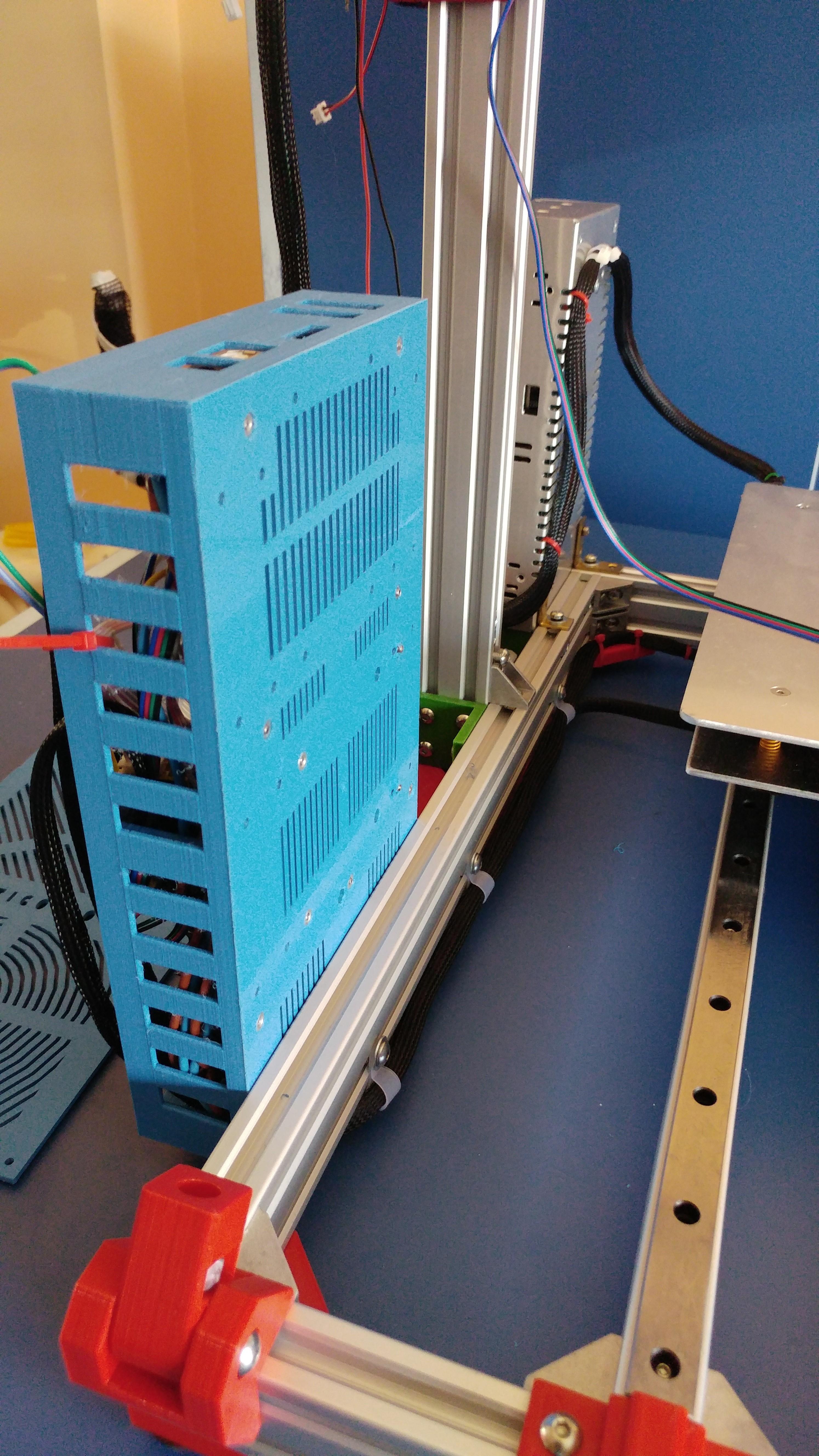 20190822_133852.jpg Télécharger fichier STL gratuit Caja XXL para placa Zonestar ZRIB para montar 3 Mosfet • Modèle à imprimer en 3D, celtarra12