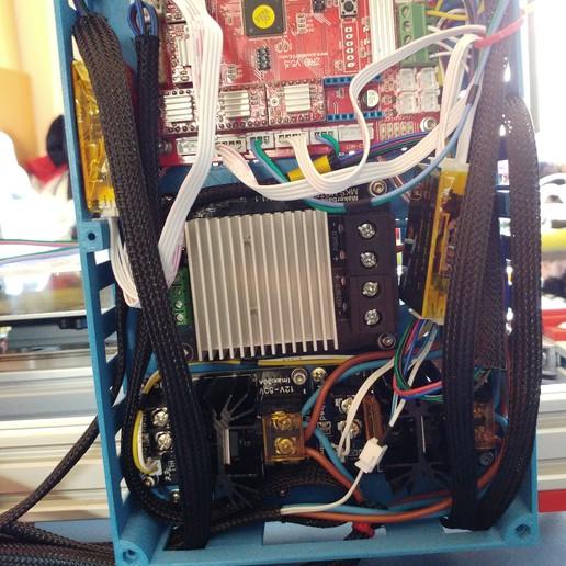 20190822_133906.jpg Télécharger fichier STL gratuit Caja XXL para placa Zonestar ZRIB para montar 3 Mosfet • Modèle à imprimer en 3D, celtarra12