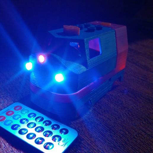 20181222_211406.jpg Télécharger fichier STL gratuit Tren Lego Duplo Motorizado controlado por Infrarojos • Objet à imprimer en 3D, celtarra12