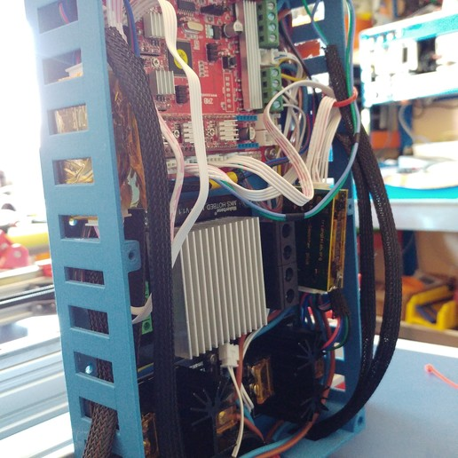 20190822_134719.jpg Télécharger fichier STL gratuit Caja XXL para placa Zonestar ZRIB para montar 3 Mosfet • Modèle à imprimer en 3D, celtarra12