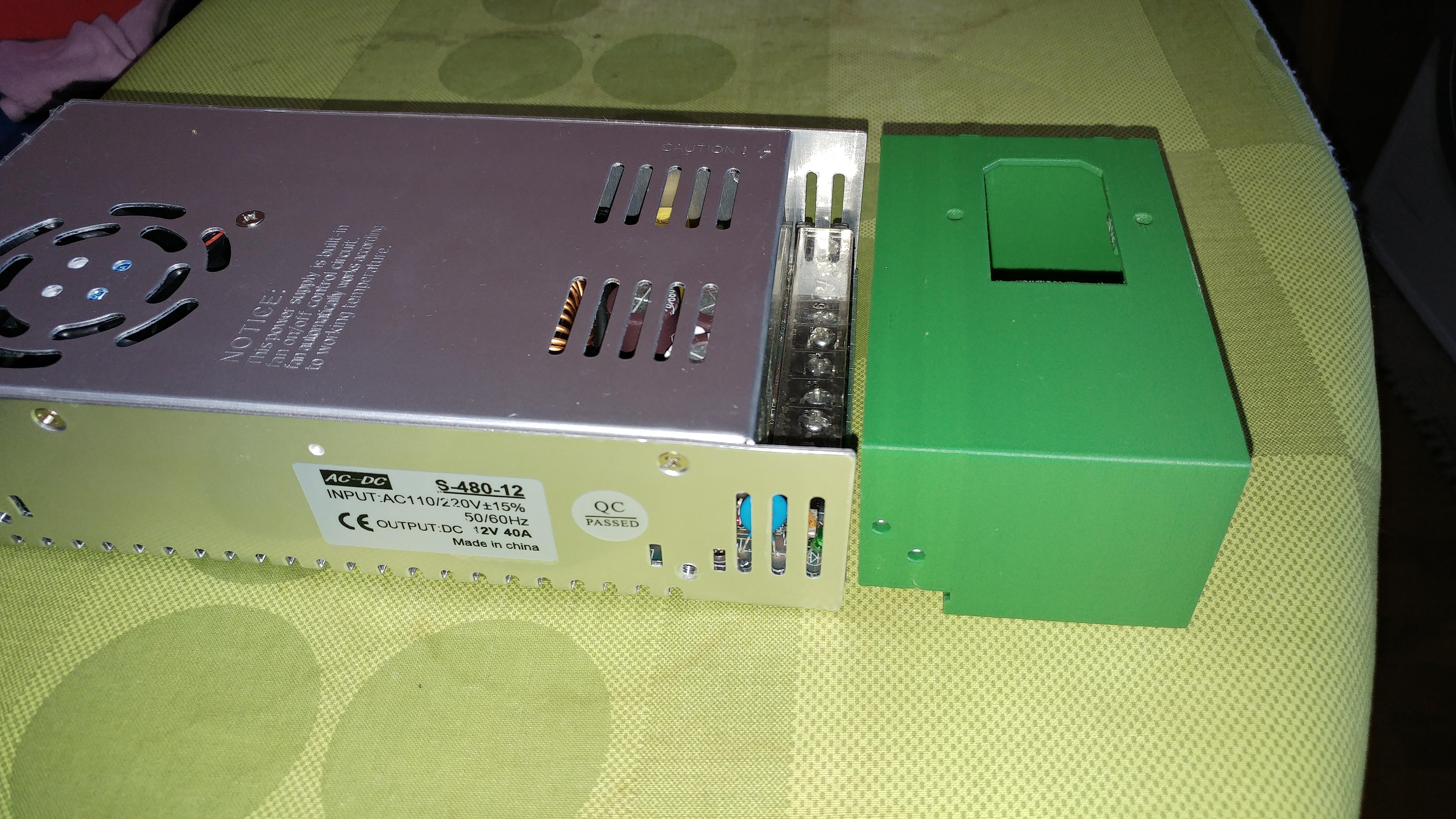 20190816_123103.jpg Télécharger fichier STL gratuit Carcasa Fuente de Alimentación con interruptor de encendido • Plan pour imprimante 3D, celtarra12