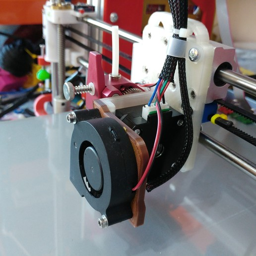 20200327_145243.jpg Télécharger fichier STL gratuit Support moteur pour extrudeuse directe BMG pour Anet A8 /AM8 • Objet à imprimer en 3D, celtarra12