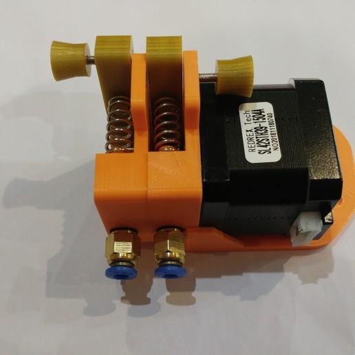 20190118_163245.jpg Télécharger fichier STL gratuit Doble Extrusor para montaje en Bowden con un sólo motor • Objet imprimable en 3D, celtarra12