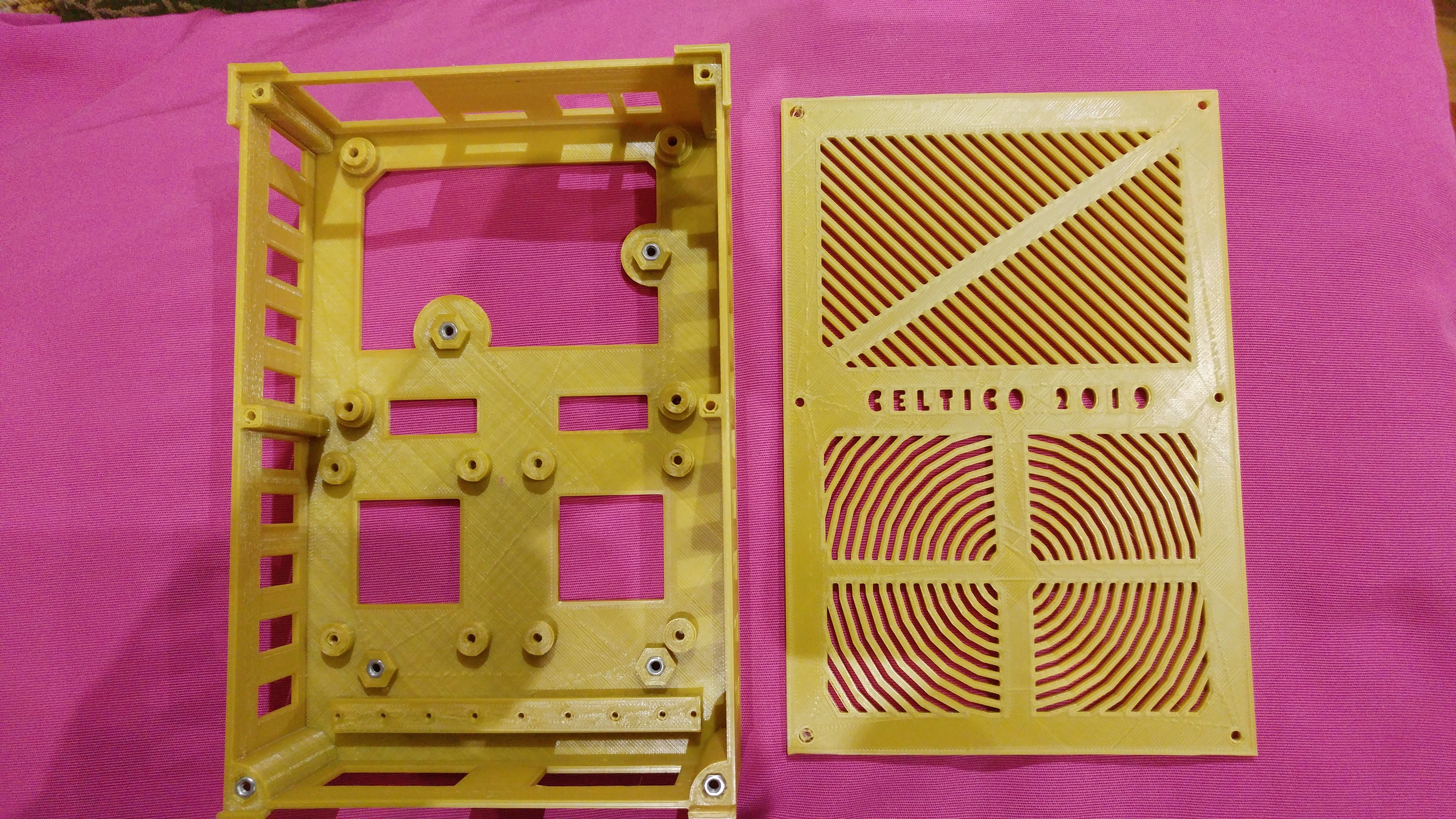 20190319_010504.jpg Télécharger fichier STL gratuit Caja placa Zonestar ZRIB para Anet A8 / AM8 (Extrusor Dual multicolor) • Design pour impression 3D, celtarra12