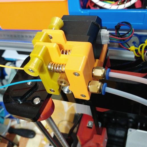 20190119_235809.jpg Télécharger fichier STL gratuit Doble Extrusor para montaje en Bowden con un sólo motor • Objet imprimable en 3D, celtarra12
