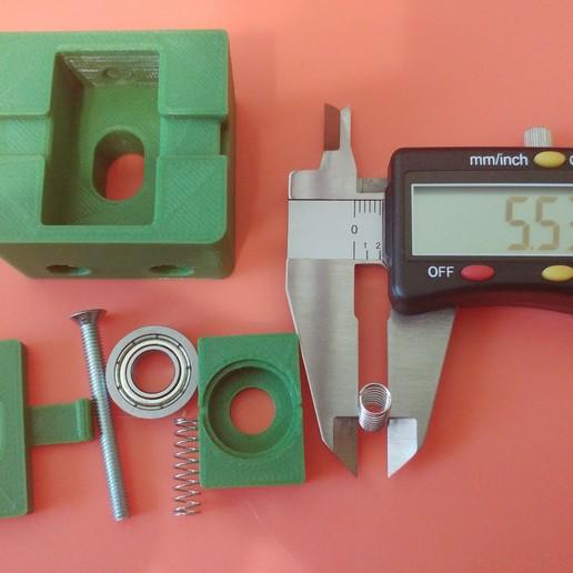 20190628_105236.jpg Télécharger fichier STL gratuit Parte Superior Husillo eje Z con muelle para perfil de aluminio 2040 • Plan imprimable en 3D, celtarra12