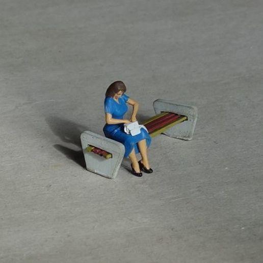 DSC01164c.jpg Download free STL file Girl waiting for train • 3D printable object, polkin
