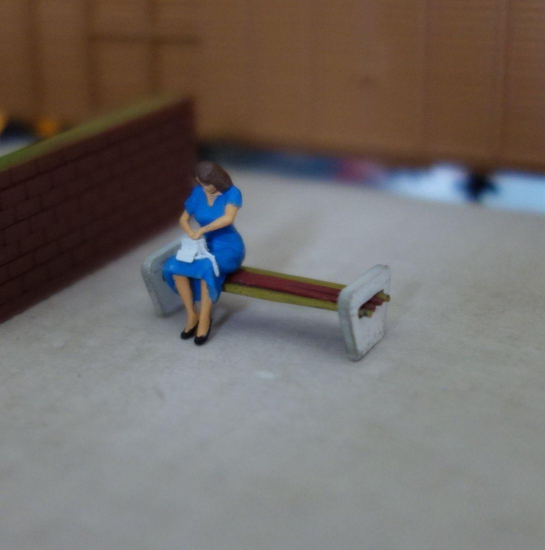 DSC01148c.jpg Download free STL file Girl waiting for train • 3D printable object, polkin