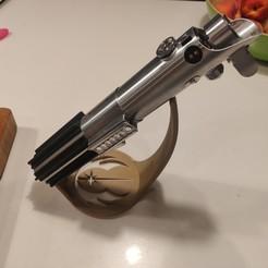 Télécharger plan imprimante 3D gatuit Présentoir incliné pour poignée de sabre laser, stefwill