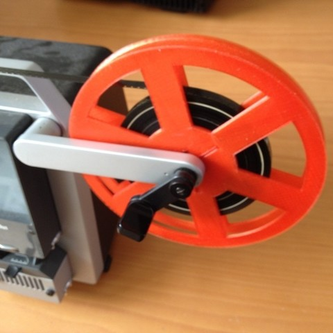 Free stl file Super 8, Standard 8mm, and 16mm Film Reel Generator, bramv