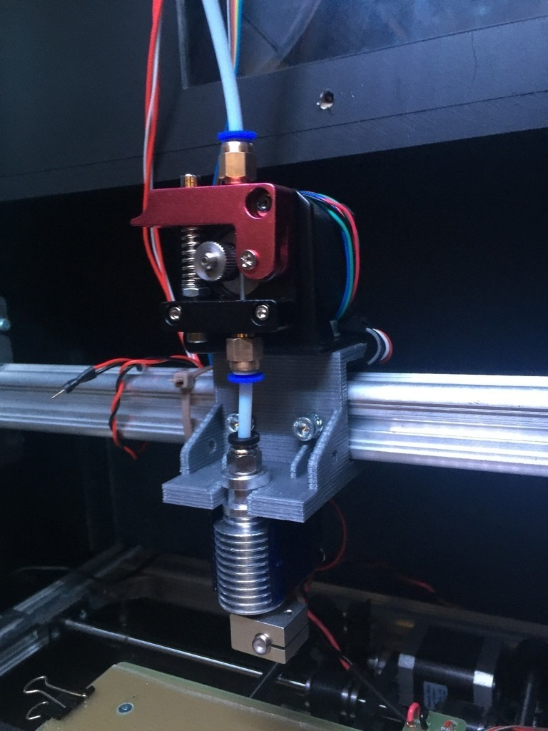 71f3887e947408df9bdcc7289053caf7_display_large.JPG Download free STL file E3D V6/Bowden Extruder Bracket for RepRap • 3D printer design, arron_mollet22