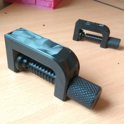 Download free 3D printing templates Clamp with low-poly inlay \ dual extruder, Odrivous