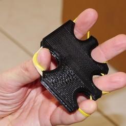 Télécharger modèle 3D gratuit Exerciseur d'extenseur des doigts, arpruss