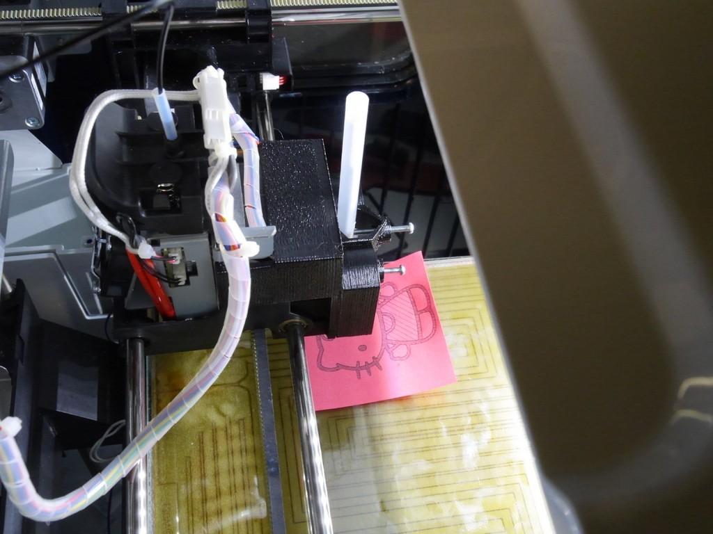 9db683e5c3acb6cb11c58481f03442f5_display_large.JPG Télécharger fichier STL gratuit Porte-stylo à ressort pour imprimante 3D / CNC, avec logiciel • Modèle pour impression 3D, arpruss