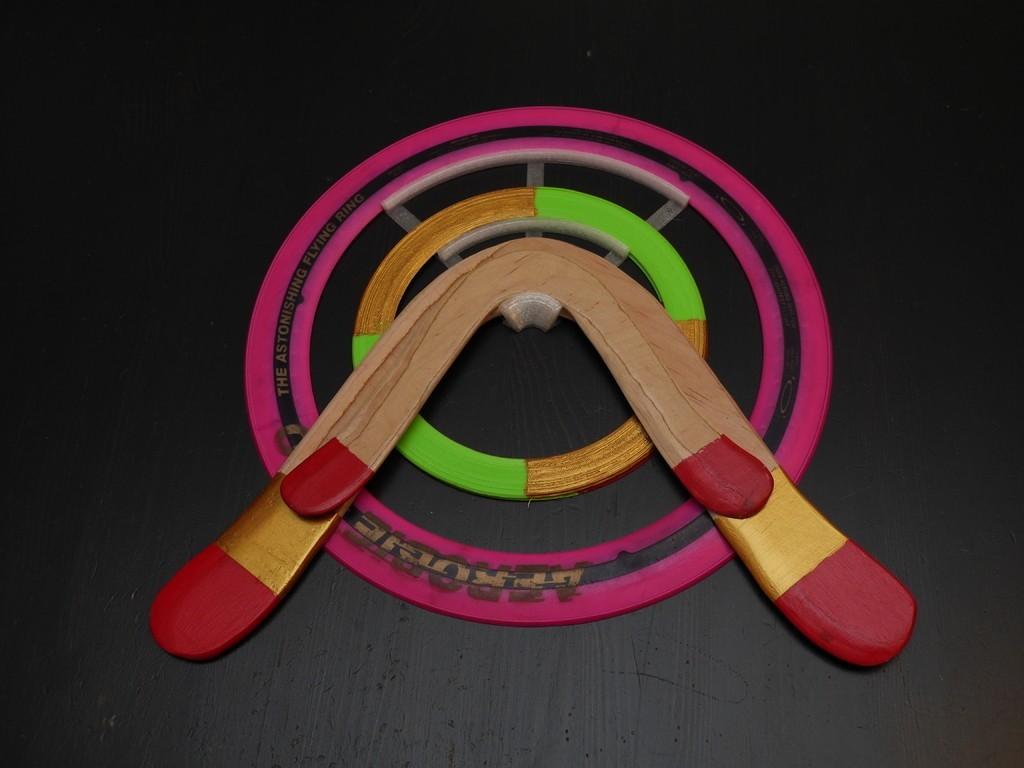 87694d32886e41b076f45c8e939dd03c_display_large.JPG Télécharger fichier STL gratuit Cintre pour aérobies, boomerangs et objets en forme d'anneau • Design pour impression 3D, arpruss