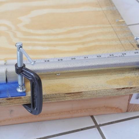 Impresiones 3D gratis Plantilla de corte de tubo, con pinzas y personalizable, arpruss