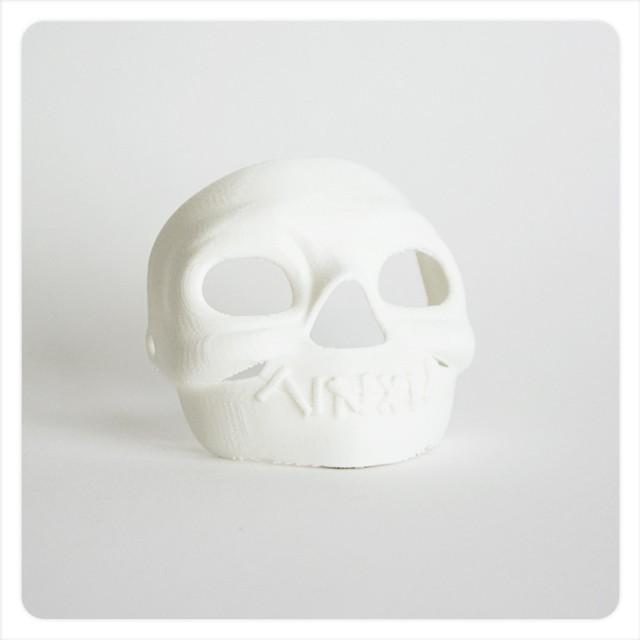 MAKIES_Spooky_Skull_Mask_Arctic_White_display_large.jpg Download free STL file Makies Spooky Skull Mask • 3D printing model, Makies