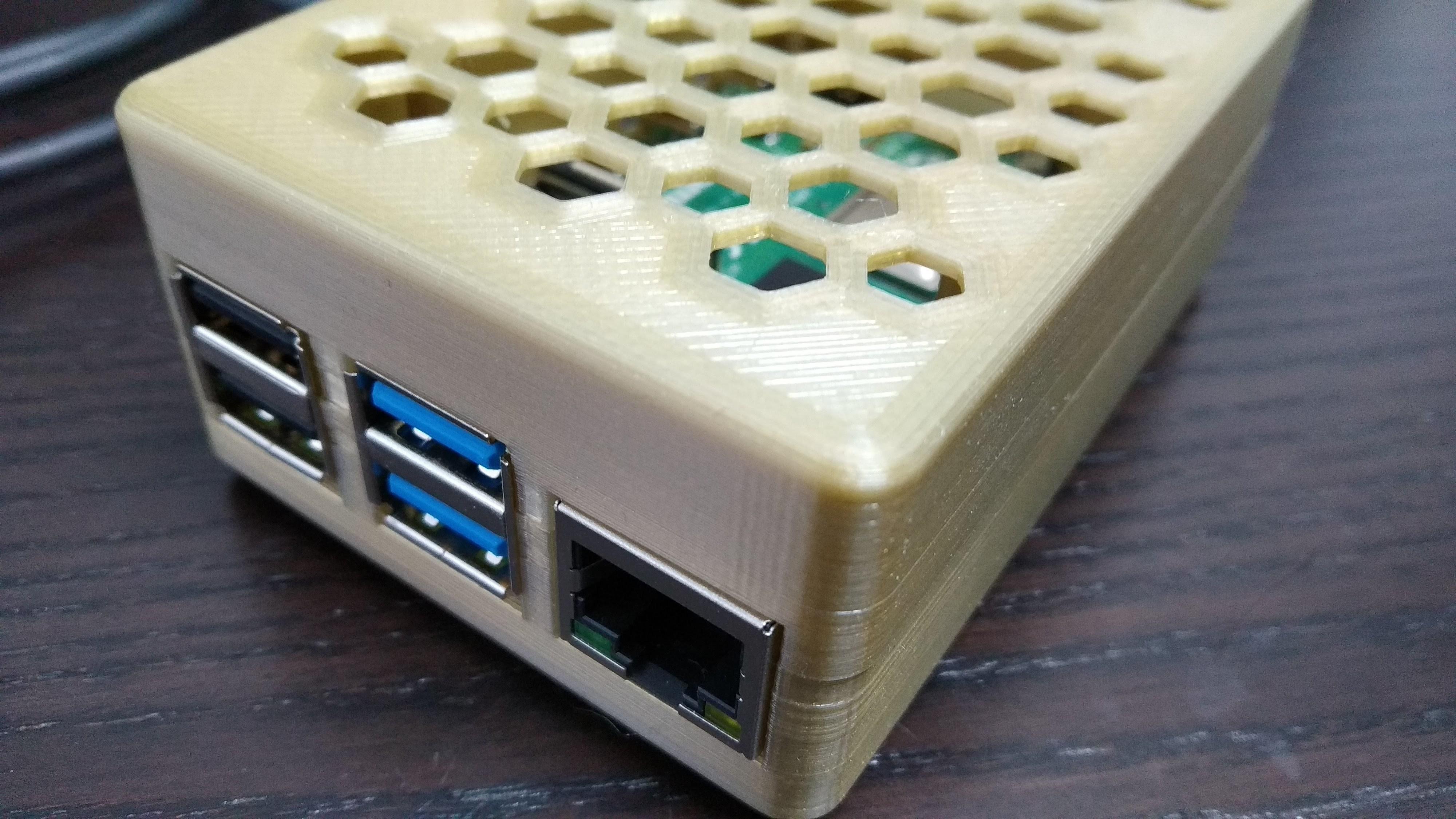 IMG_20200221_160333.jpg Download free STL file Pi4 Case • Design to 3D print, 3DME