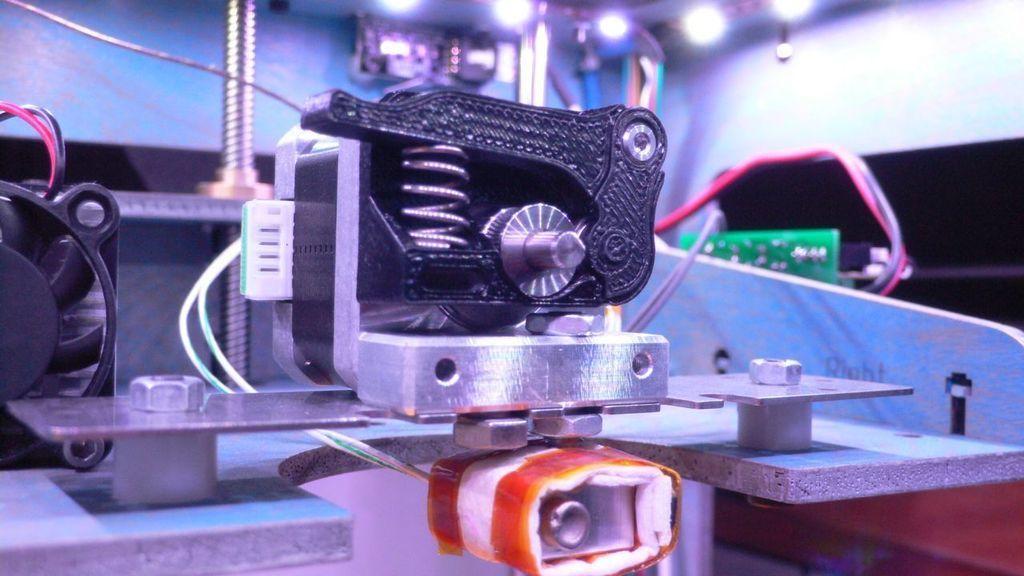 L1110831_display_large.jpg Télécharger fichier STL gratuit Bloc d'entraînement Thing-O-Matic à ressort • Modèle à imprimer en 3D, TeamTeamUSA