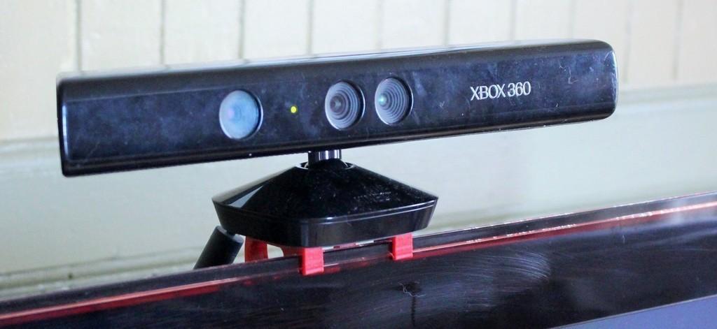 IMG_7490_display_large.jpg Télécharger fichier STL gratuit Samsung top mount TV support pour XBOX 360 Kinect • Plan pour imprimante 3D, PortoCruz675