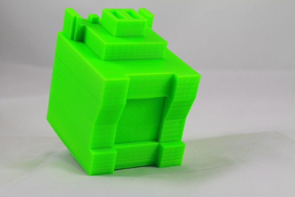 IMG_4267_display_large_display_large.jpg Download free STL file 8-bit Piggy Bank • 3D printer object, DelhiCucumber