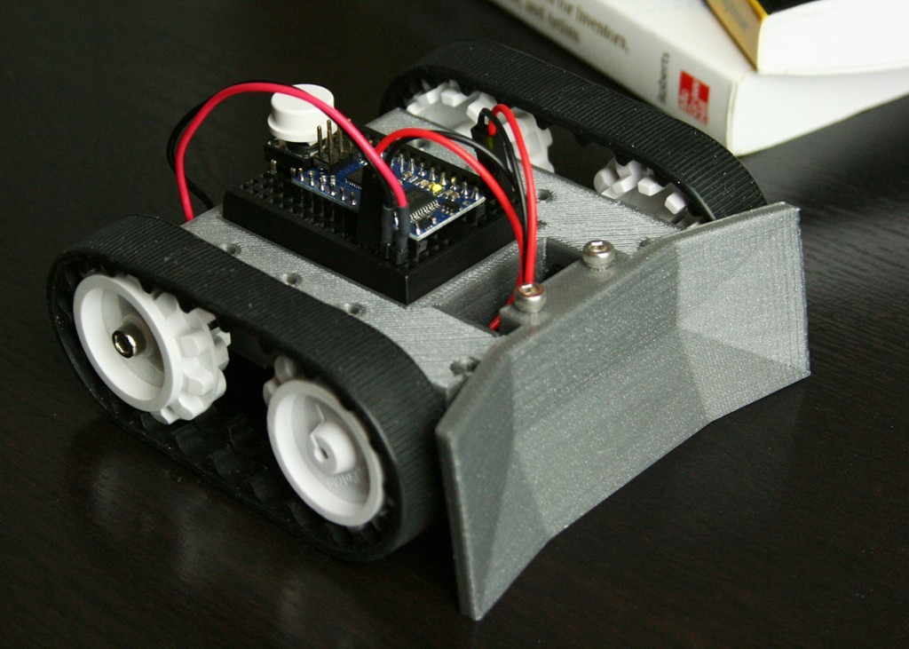 sumo_bot_display_large.jpg Download free STL file SketchUp Mini Sumo Robot • 3D printable object, FunnyJohnnyPrinter