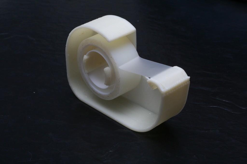 2012_11_Tape_Dispenser_with_Tape_display_large_display_large.jpg Télécharger fichier STL gratuit Distributeur de ruban adhésif - une pièce • Modèle à imprimer en 3D, FunnyJohnnyPrinter