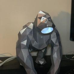 Descargar archivos 3D gratis Lámpara de mesa de poliéster baja de Kong, archiahmednabil