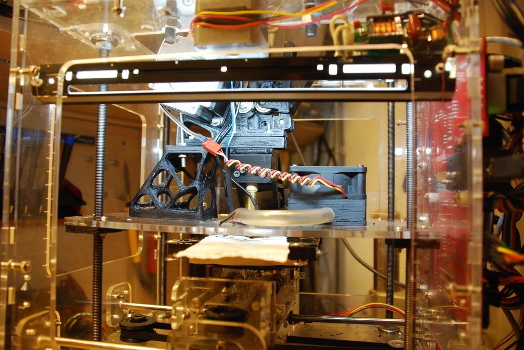 DSC_0961_display_large_display_large.jpg Download free STL file xtrhdr a geared nema23 extruder for a cupcake • 3D printing model, billythemighty3Dprinter