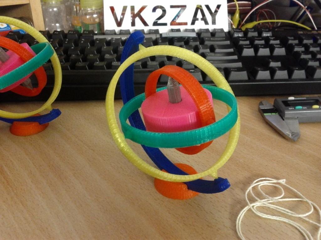 IMG_20120401_235333_display_large_display_large.jpg Télécharger fichier STL gratuit Gyroscope jouet • Modèle imprimable en 3D, AliSouskian