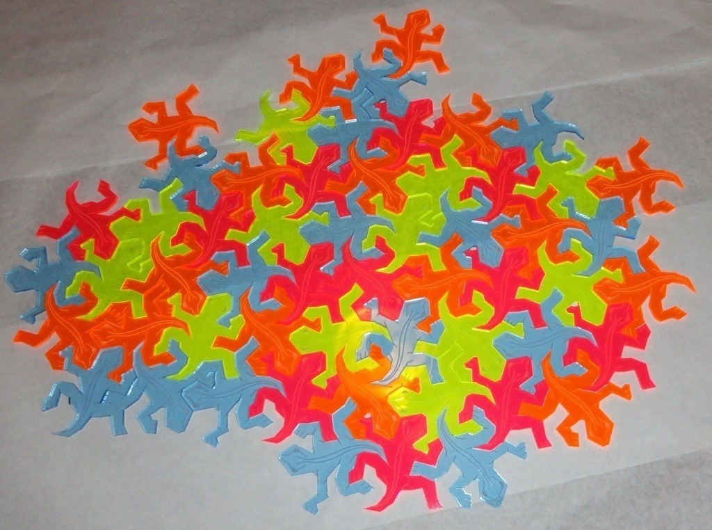 Angus_Lasercut_Escher_Lizards_Tiled_on_white_BG_display_large_display_large.jpg Download free STL file Escher-Style Tessellating Lizard / • 3D printer object, JeremyRonderberg93