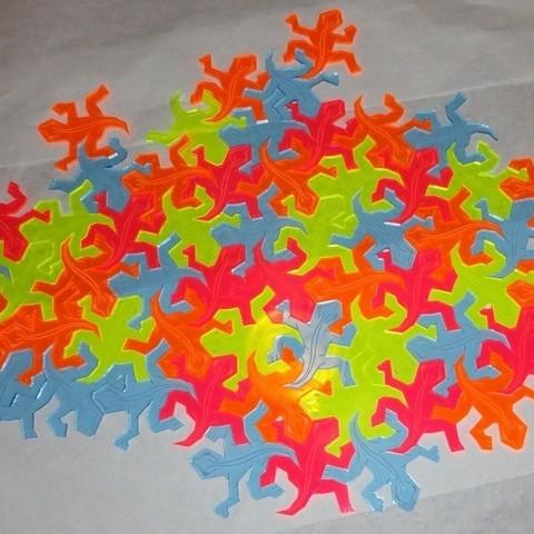 Angus_Lasercut_Escher_Lizards_Tiled_on_white_BG_display_large_display_large.jpg Télécharger fichier STL gratuit Lézard tessellant à la Escher-Style / • Objet à imprimer en 3D, JeremyRonderberg93