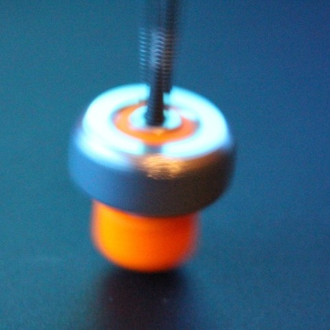 spinning_top03_display_large.jpg Download free STL file Spinning top & Iron Thumb Wheel • 3D printer object, zootopia3Dprints