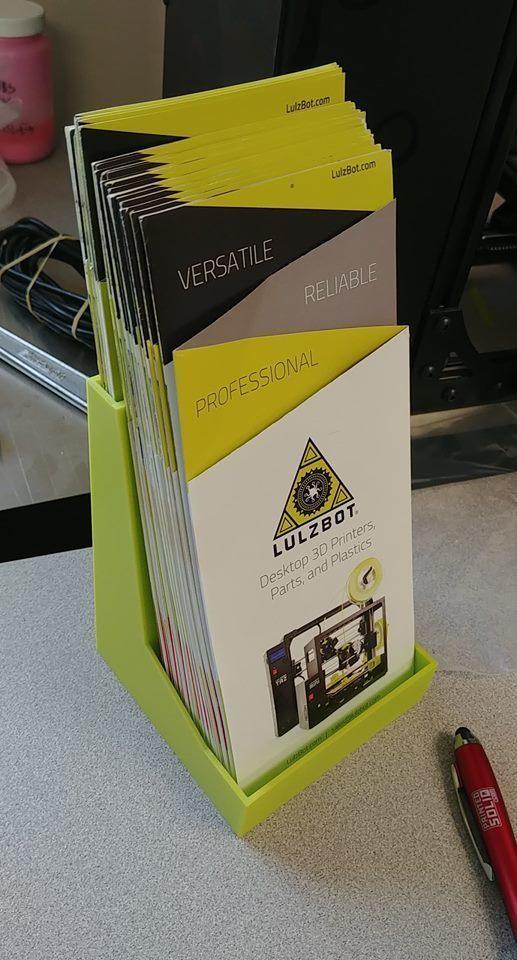 03c2a38a55388a3a95e5944887ac5e47_display_large.jpg Télécharger fichier STL gratuit Porte-brochures • Design pour impression 3D, PrintedSolid