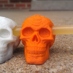 Free 3D printer designs Celtic Skull Glowing Eyes Charm, PrintedSolid