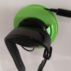 Download 3D printing designs Samsung Gear Fit2Pro charger holder, markdebacker