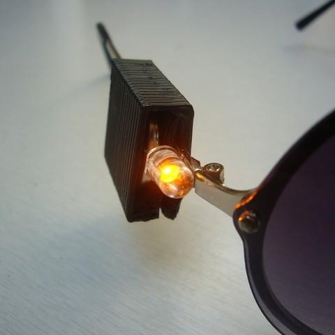 Download free 3D printing designs Clip-on reading LED, Yazhmog