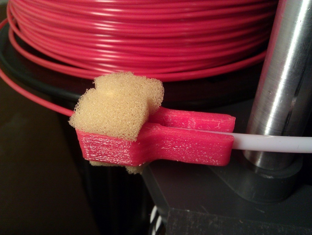 Filament_Cleaner_1.75mm_a_display_large.jpg Download free STL file Filament Cleaner 1.75mm • Object to 3D print, Azagal