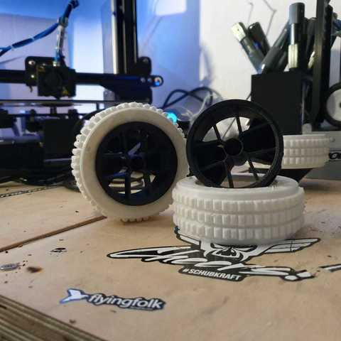 WhatsApp Image 2019-05-26 at 09.27.17.jpeg Download free STL file RC Car wheel with Tire for 1:16 and 1:18 Models • Model to 3D print, Celil27