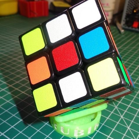 5bd42ea0c17474dccf2b5f3ef06bb85a_display_large.JPG Download free STL file Rubik's Cube Stand • 3D printer object, alexlpr